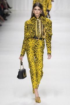 Versace FW18 via Vogue